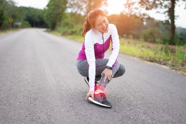 Reduce Your Risk of Foot & Ankle Injury with These 7 Easy Steps