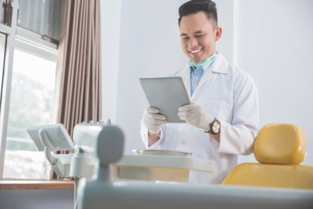 Considering Online Orthodontics? Don't take a Virtual Gamble on Your Smile