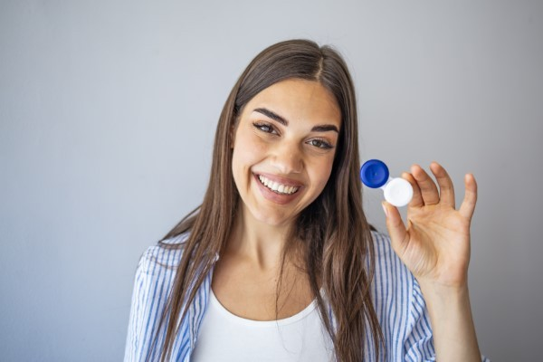 Five Important Tips for Anyone Who Wears Contact Lenses